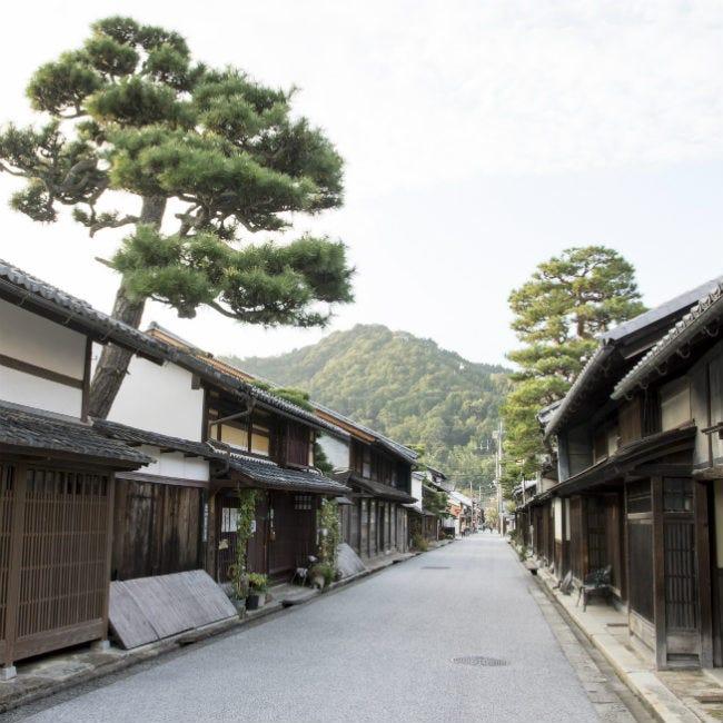 江戸風情あふれる街がアートの舞台に!国際芸術祭「BIWAKO ビエンナーレ」