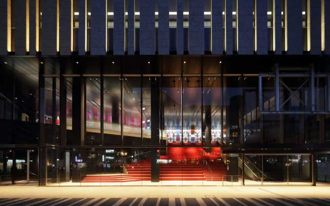 建物 ホール 東京 ブリリア