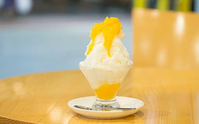 ミニサイズが嬉しいマンゴーのかき氷