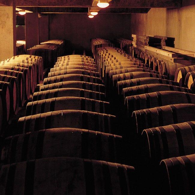 【大人の工場見学】貴重な地下セラーの見学や、約30種の無料試飲も!山梨県甲州市「マンズワイン 勝沼ワイナリー」