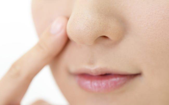 鼻 の 毛穴