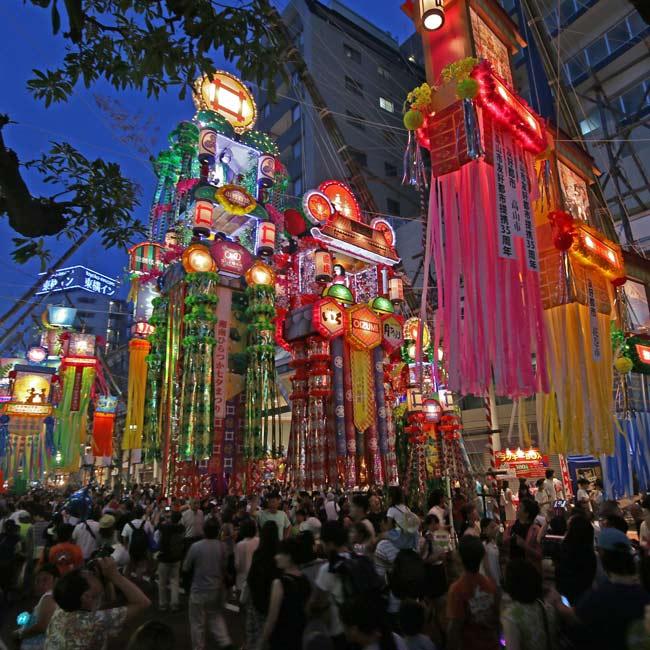 日本一とも言われる豪華な七夕飾りや屋台グルメも!7/6~8の3日間、平塚の街が「湘南ひらつか七夕まつり」で七夕一色に