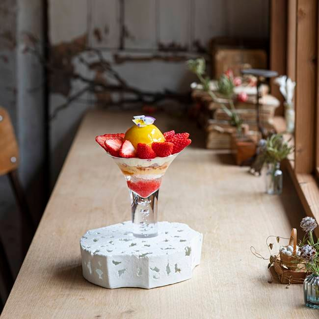 世田谷で味わえるいちごスイーツ4選!早くも注目を集めている話題店のアートなパフェや専門店のケーキほか