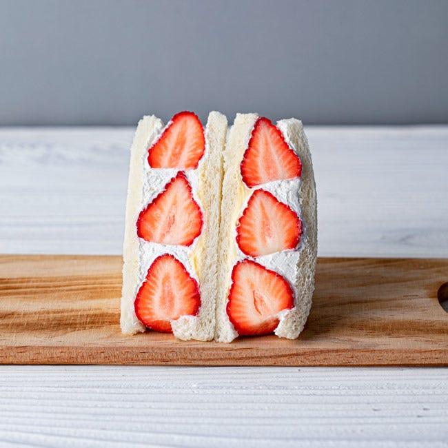 【いちご&フルーツサンド】2種類のクリームががたっぷり。テイクアウトして味わいたい「Be! FRUITS SANDWICH」のいちごサンド