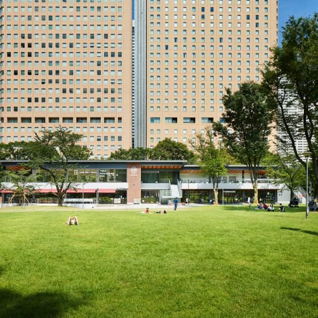 【都内の新しい公園4選】カフェやマルシェも併設!気軽に自然を楽しめる公園が充実