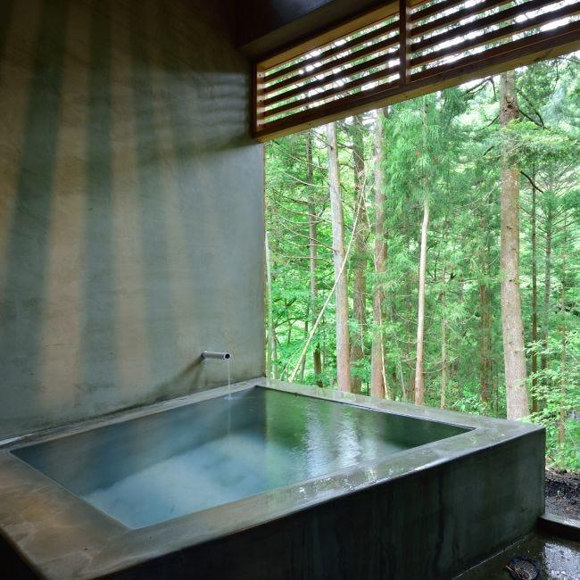 【温泉付きグランピング施設4選】アクティビティも充実! 天然温泉で癒しのひとときを