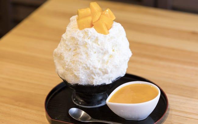 マンゴーの季節限定!果肉たっぷりかき氷