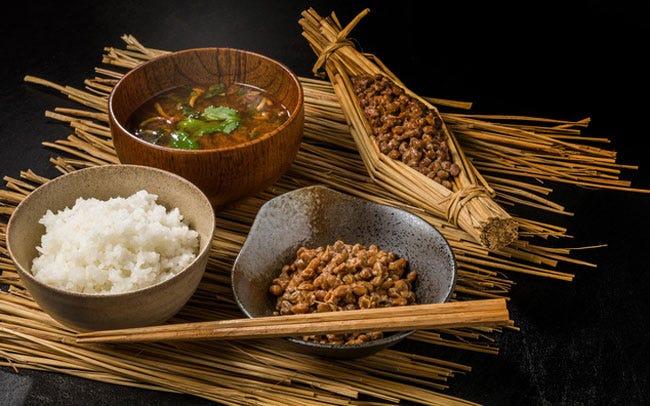 ごぼうや納豆は優秀食材。水溶性食物繊維は摂りにくいので、意識して普段から食べよう