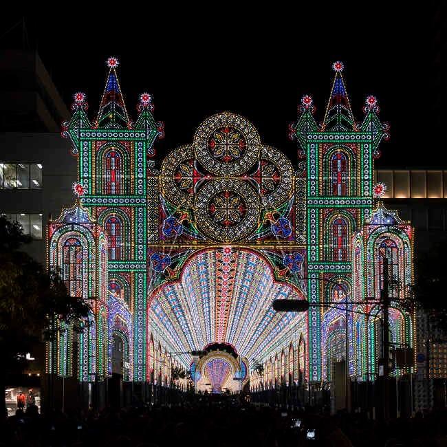 壮麗な光の彫刻が、夜空に夢を灯す!神戸の元町で12月の風物詩「第25回神戸ルミナリエ」を開催【イルミネーション2019】