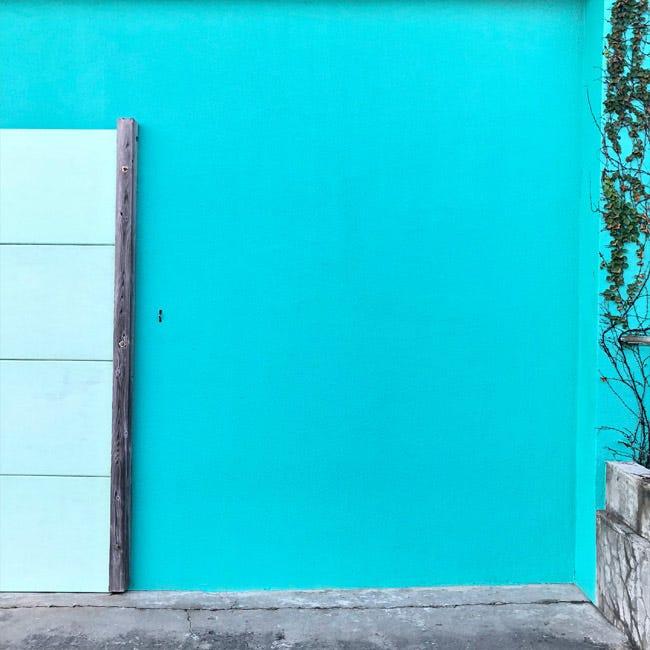 神津島はカラフルでかわいい壁がいっぱい! 写真を撮って楽しもう