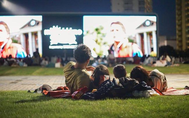 6選】映画館とは一味違う場所で楽しめる夏の野外シネマ 2020年の夏 ...