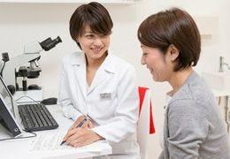 ドクターカウンセリングでお悩みに合わせ導入剤をセレクト ピーリング(サリチル酸)+選べるイオン導入