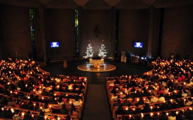 カトリック麹町 聖イグナチオ教会のミサへ