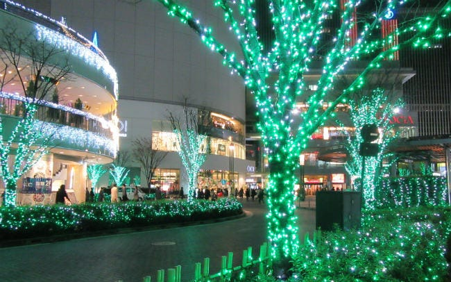 約12万球の光が有楽町をグリーンに染める