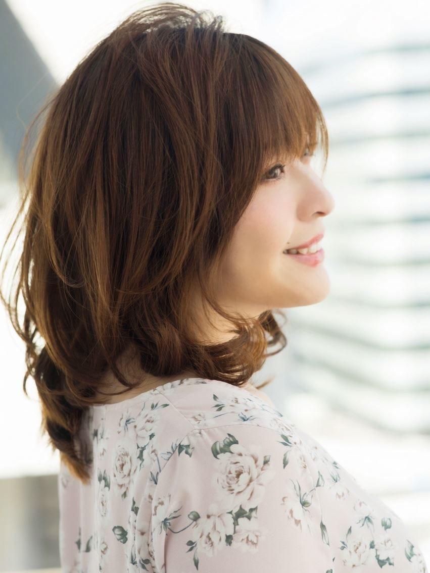 髪型 ミディアム ストレート 40代