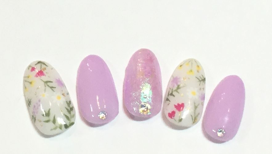 Nails Earth 恵比寿店[ネイルズ アース エビステン](恵比寿)のピンク・ストーンのデザイン