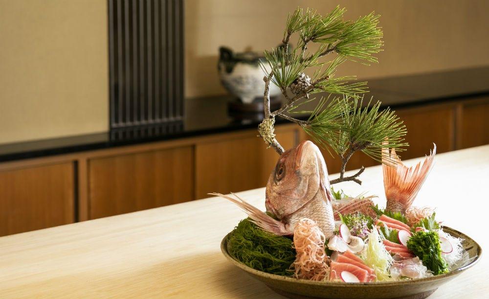 紀尾井町 藍泉【河豚づくし★乾杯スパークリング付き】老舗ホテルで味わう先付からお食事の雑炊まで贅沢ふぐ料理を堪能する全8皿