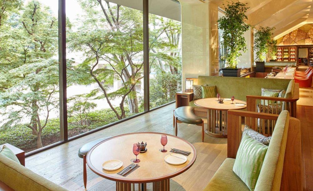Lounge Momiji【1/5〜3/11・OZ限定★女子会】スパークリング含む3時間飲み放題!旬の3段スタンド&デザートのいちごレイトアフタヌーンティー