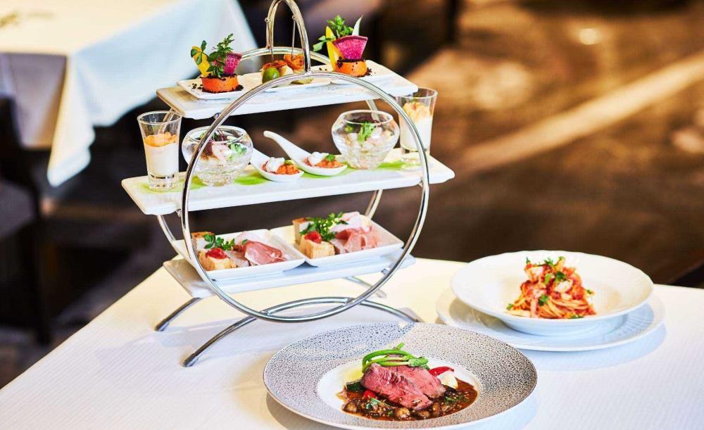 イタリアンダイニング ジリオン【10/1〜限定・贅沢ディナー★乾杯シャンパン付き】豪華3大珍味オードブル・選べるパスタやヘルシーなメイン料理を含む全6皿