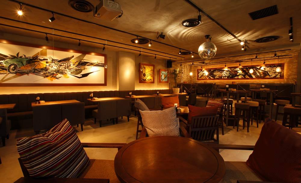 夜カフェ 東京 おすすめ 贅沢 時間 女子会 CAFE NOISE 池袋 カフェ ノイズ 店内 雰囲気