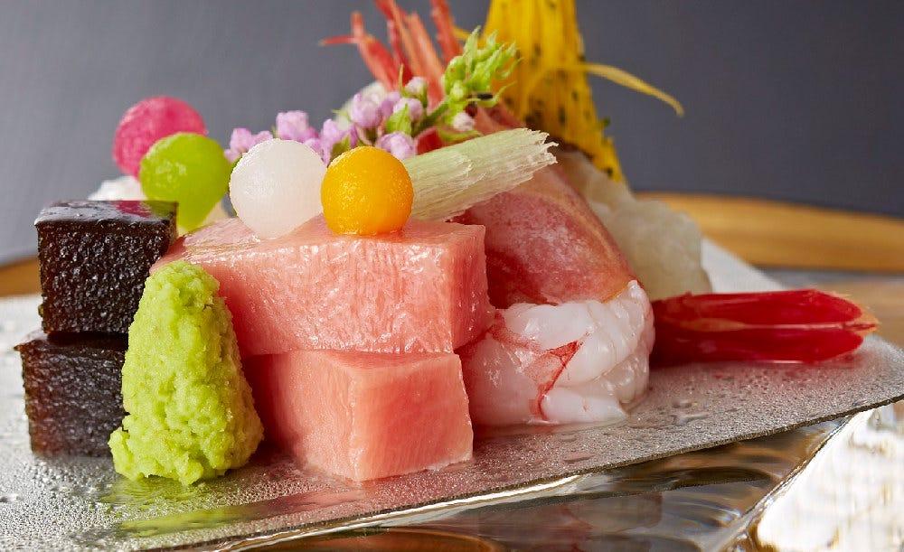 日本料理「隨縁亭」【乾杯ドリンク★ホールケーキ付き】先八寸・お造りに炊き込み御飯など全8皿の本格会席料理でお祝いする記念日ディナープラン