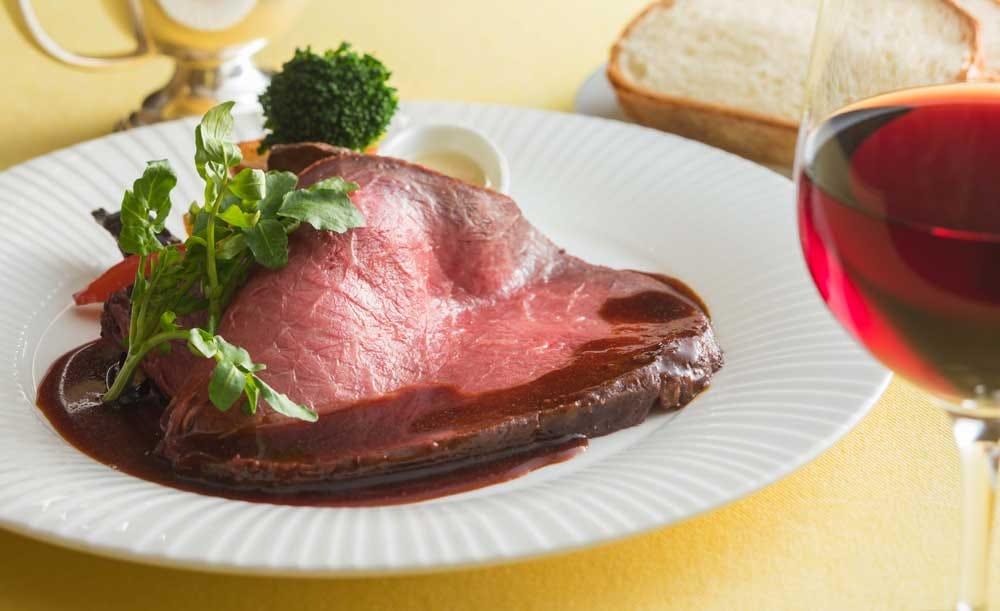 ガーデンキッチン「かるめら」【ディナー★2時間飲み放題】スパークリングもお好きなだけ!ローストビーフを楽しむ前菜・スープ・メイン・デザートの全4皿