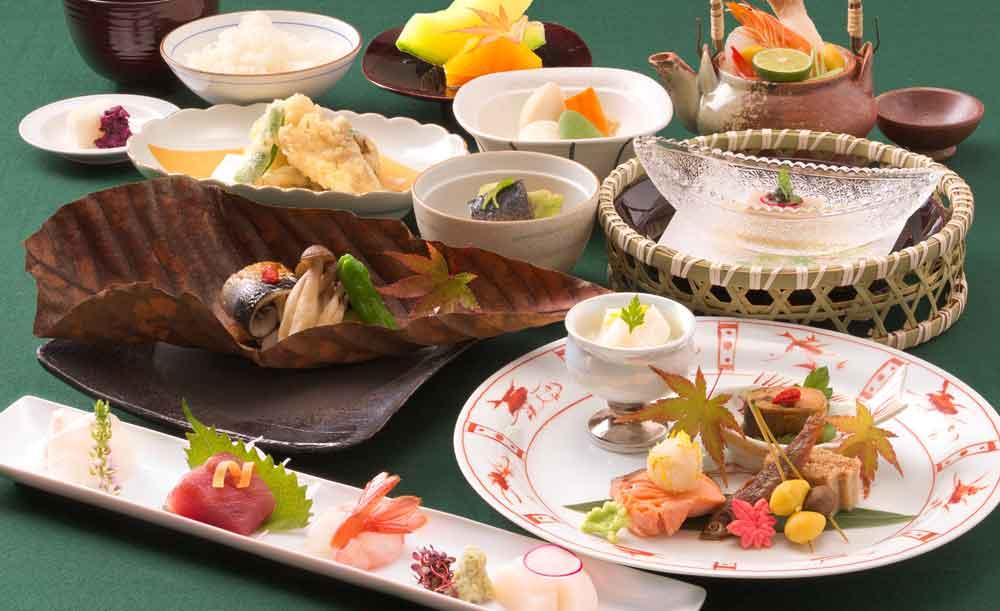 日本料理 宝ヶ池【OZ限定★ドリンク1杯付き】女性に嬉しい和のデザート付き!色鮮やかな旬の食材を華やかにいただくレディース御膳