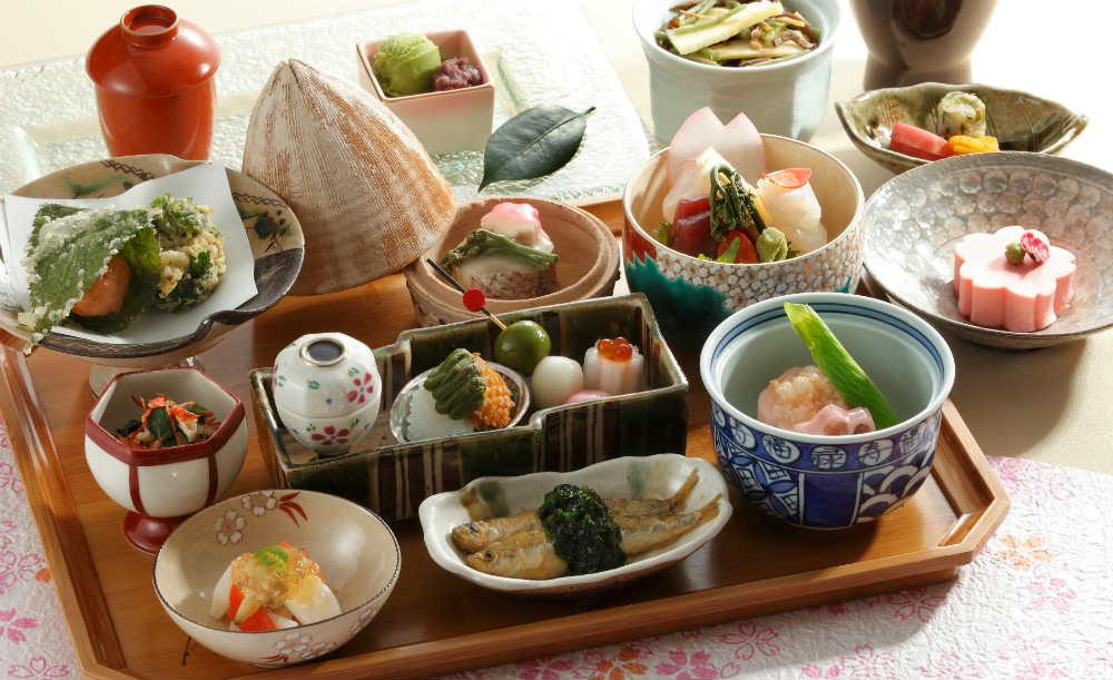 日本料理 おりじん【乾杯スパークリング付き】月替わりで旬の食材を味わう!料理長のこだわりが詰まった彩り豊かな京会席「粋」全7皿