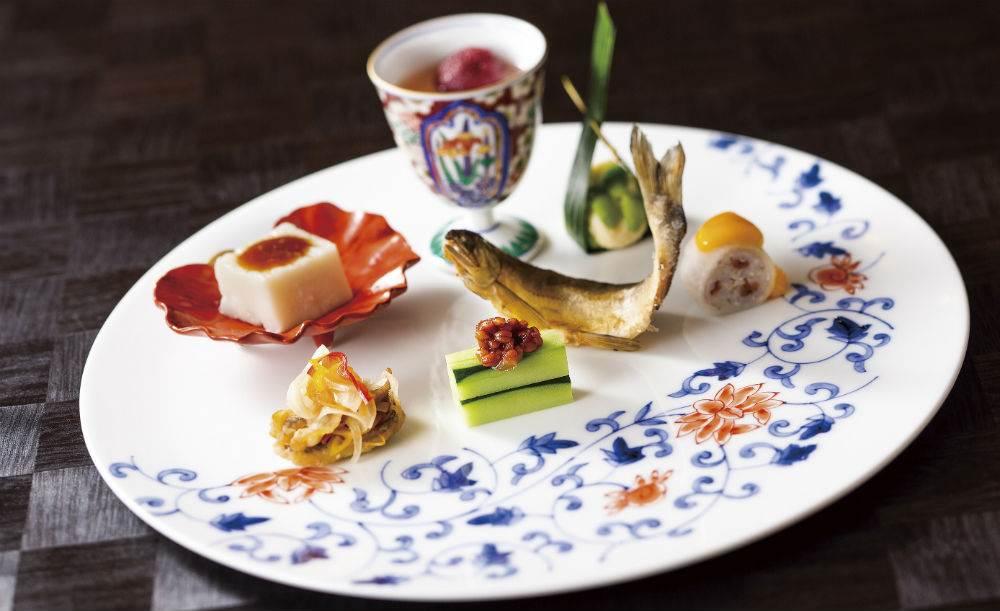 日本料理 みやま【OZ限定★アニバーサリープラン】グラスシャンパン+一輪花付き!季節の素材を生かした日本料理を御膳でいただくコース
