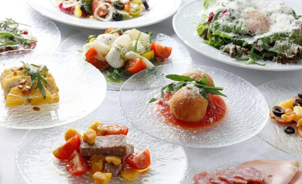 ディナー みなとみらい みなとみらいのレストランおすすめ19選|ランチ・ディナーが高評価、夜景を楽しめる、個室が好評など口コミ人気のグルメ特集