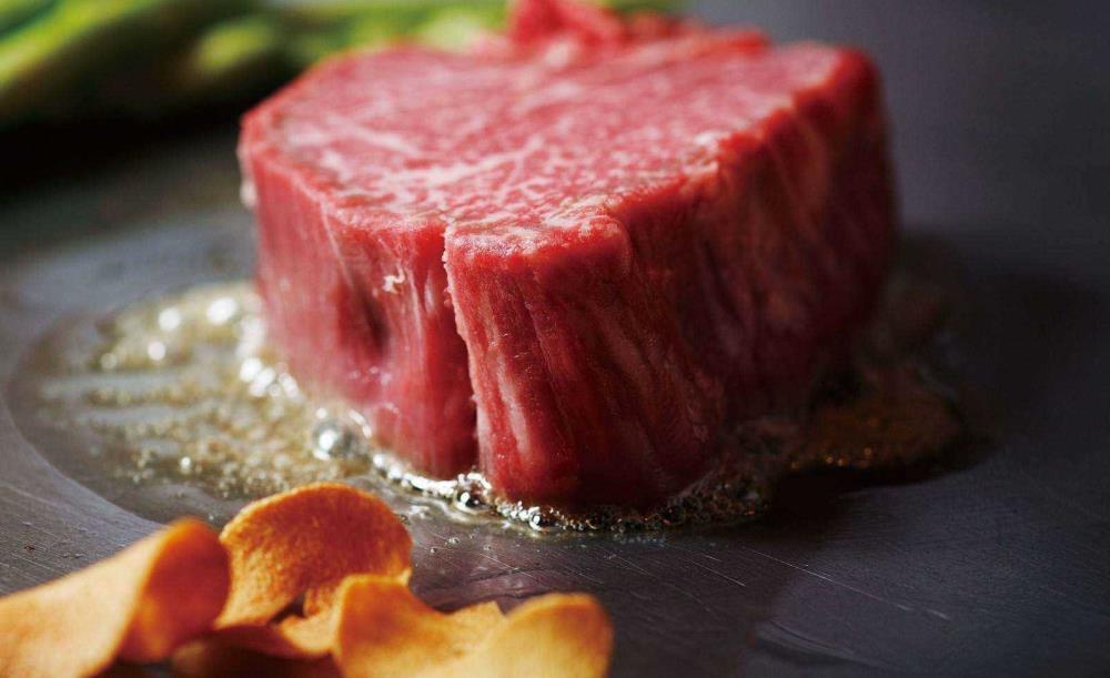 鉄板焼 ロイン【ステーキ&シーフードランチB】選べる伊勢海老テールor蝦夷鮑、選べる国産牛フィレorロースステーキ、デザートなど全6皿
