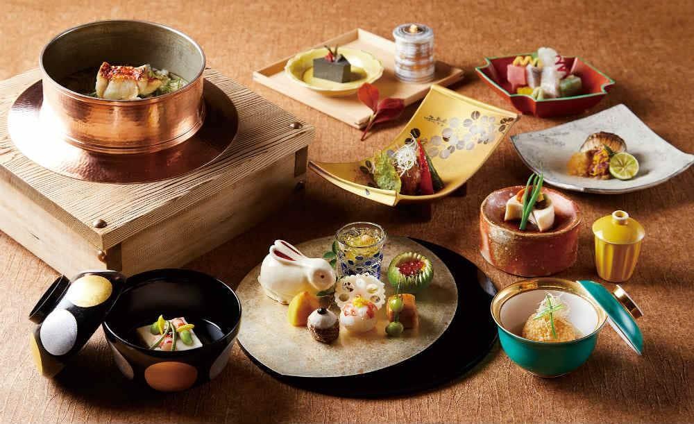 日本料理「佳香」【四季彩弁当★ランチ】1ドリンク付き!豊洲市場や静岡県・小川漁港から直送された魚を使ったお造りなど全8皿