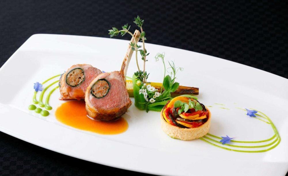 レストラン「ロワール」【アニバーサリーメッセージ&ノンアルスパークリングワイン付き】前菜・スープ・魚or肉のメインがが選べるランチ全4皿
