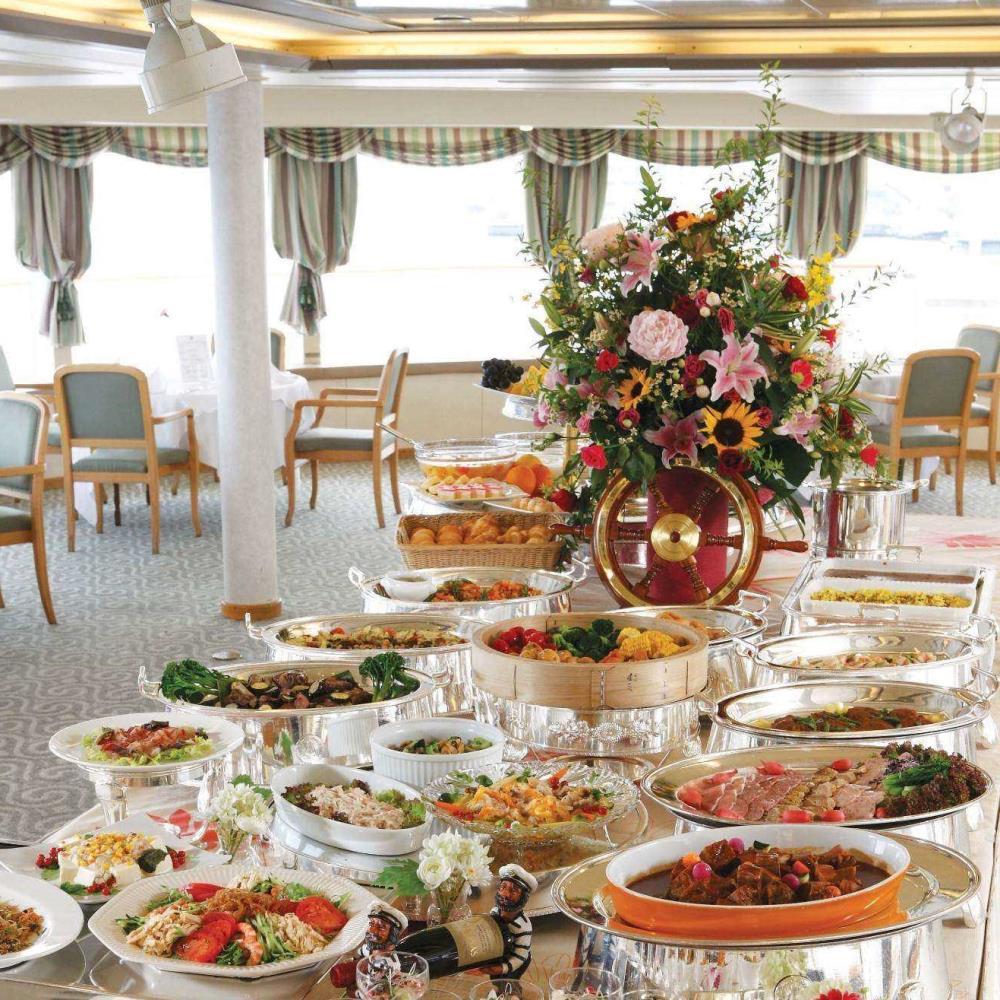 【土日祝限定★ランチバイキング】ローストビーフサラダなど20種以上の料理を堪能!東京湾クルーズ<コード:163987>のイメージ画像