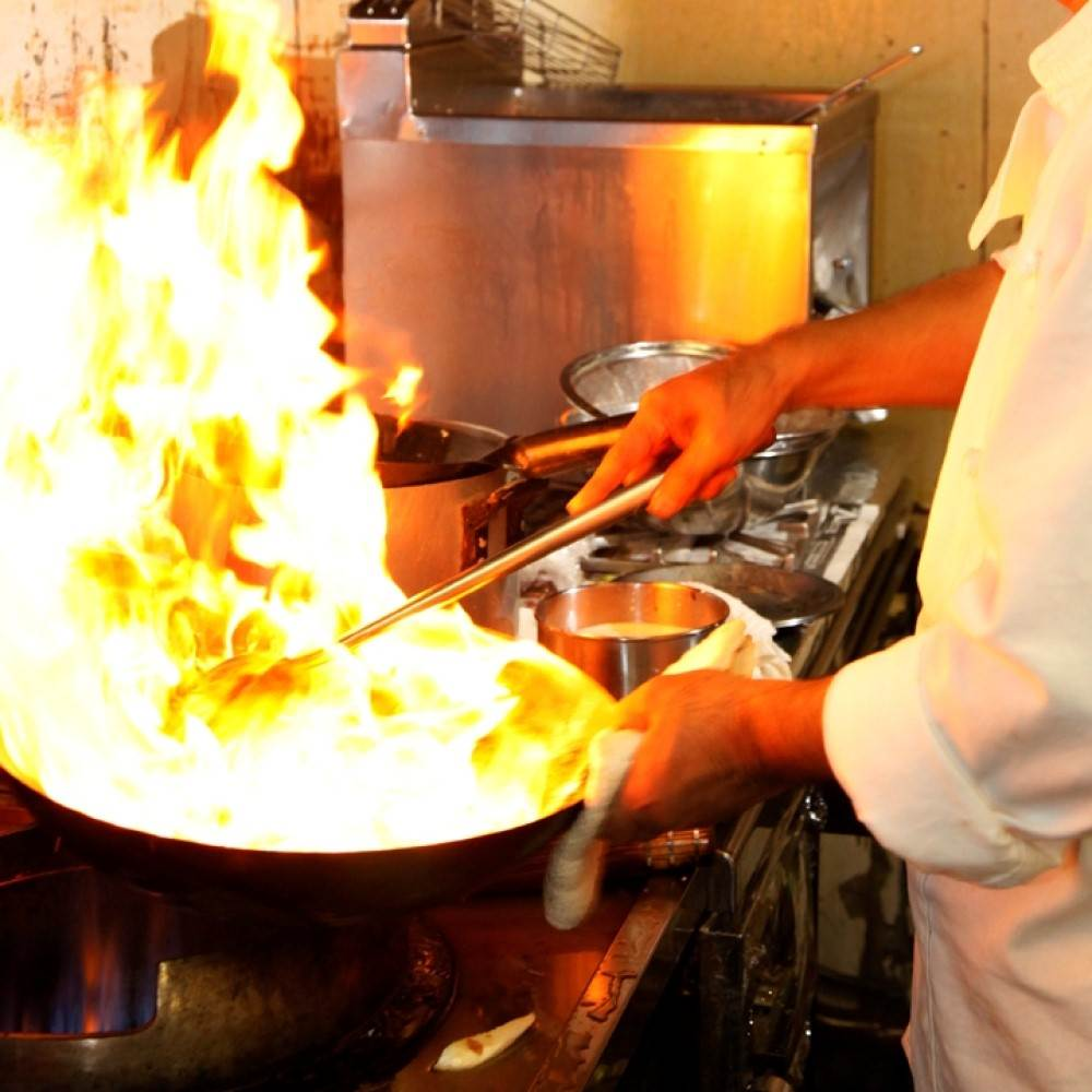 【天空のおまかせコース★ドリンク付き】フカヒレの尾ひれなどの高級食材や旬の食材を使ったシェフおすすめの10品を堪能