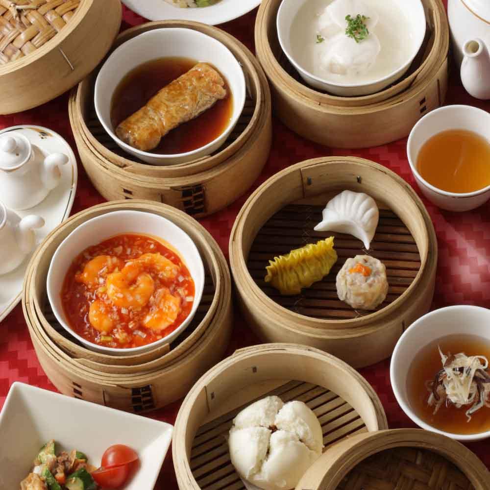 【OZ限定★ランチ】器や盛り付けにもこだわった美しい中国料理の数々を、眺めの良いホテルの18階で堪能する席のみプラン