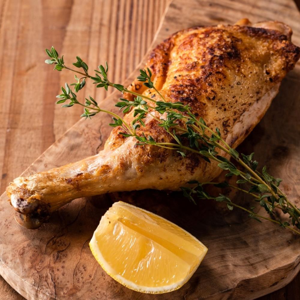 【1日3組様限定】名物のふわとろキッシュ×人気の半身鶏の香草焼きなど7皿&2.5時間飲放題付き