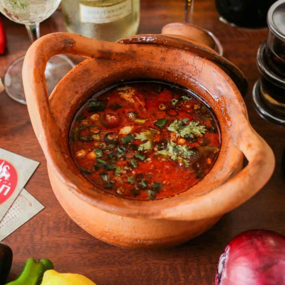 【タイ料理の真髄を堪能★2時間飲み放題】異国情緒あふれる空間で、世界三大スープのトムヤムクンなどの欲張りコース全9皿